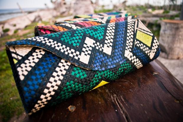 Mayumi Clutch in Pintados Design Blue